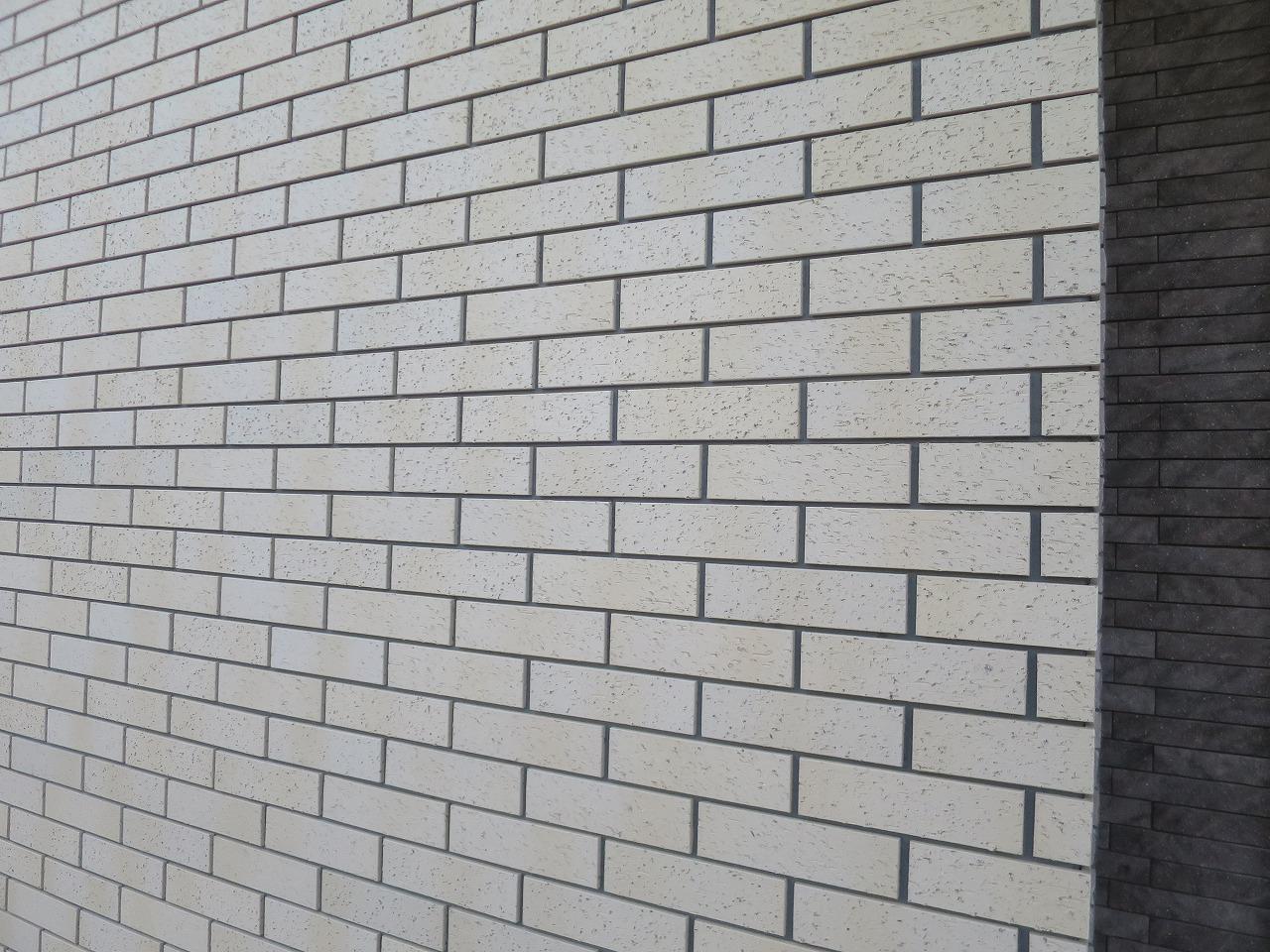 外壁はタイルかサイディングか