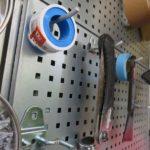 イナバガレージに工具棚を パンチングボード(有孔ペグボード)でつくる!(棚設置編)
