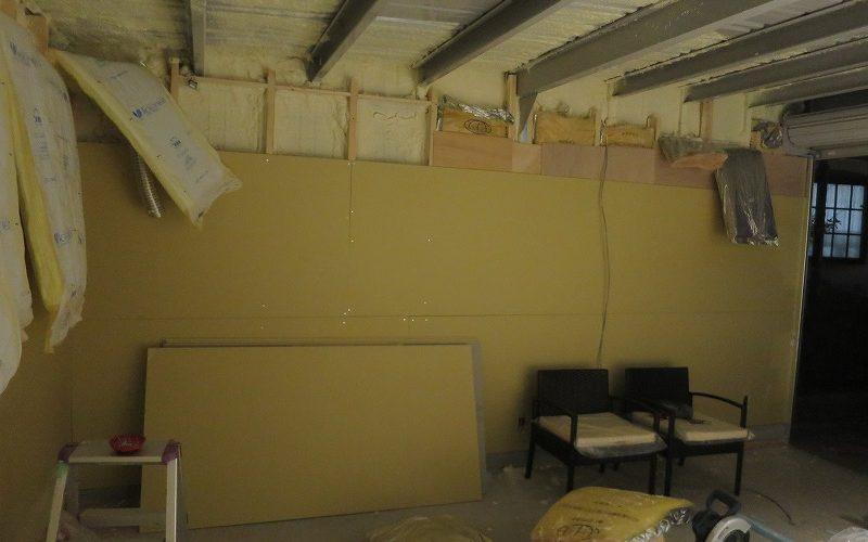 イナバガレージの内壁に石膏ボードを張り付け!目指せ、インナーガレージ風
