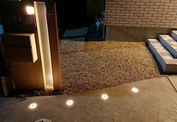 地中埋設型のガーデンライト「グランドライト」