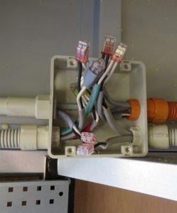 電線同士をつなぐ!結線方法