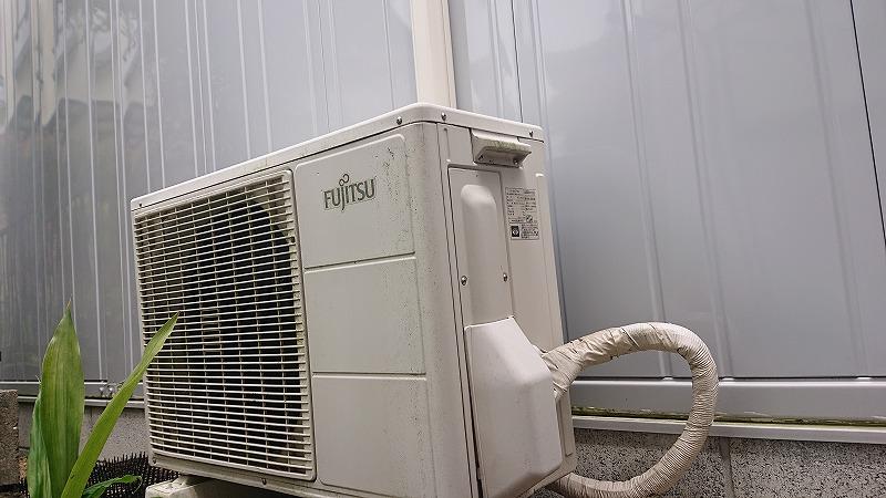 イナバガレージを快適に!エアコンをDIY~その2~室外機設置
